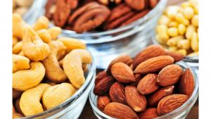 Nüsse und Samen