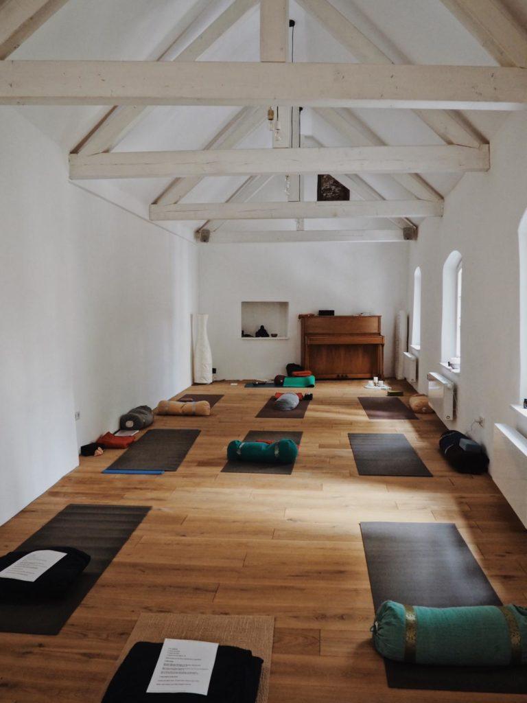 Yogakabinett